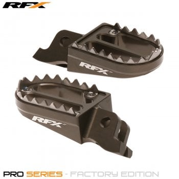 RaceFX Pro Series Shark Teeth Foot Pegs - Kawasaki KXF 250 2006-17, KXF450 2007-17 - Hard Ano