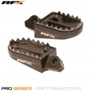 Pro Series Shark Teeth Footrests - Suzuki RMZ 250 10-17, RMZ 450 10-17 - Hard Ano